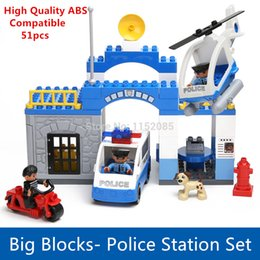 Wholesale Big Building Blocks Luxury Set City Police Station with Helicopter Motor Compatible with Duplo Bricks Boys Toys