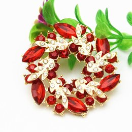 Top Quality Fashion Red Crystal Prtty Flower Wreath Brooch Gold Tone Alloy Wedding Bridal Bouquet Women Scarf Pins Free Shipping Cheap Price