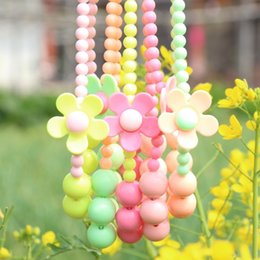 2017 colliers de perles 2015 Summer Fashion Candy Colour Enfants Perles Collier Mignon Cute Flower Bébés Neaklace Enfants Accessoires Enfants Bijoux M790 budget colliers de perles