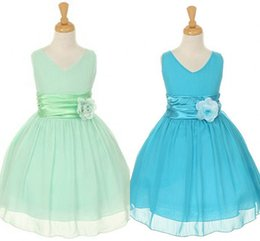 Wholesale Cute Cheap Flower Girls Dresses for Weddings Hand Made Flower A Line Chiffon Mint Green Beauty Pageants Gowns Princess Bady Communion Gowns