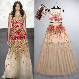 Fashion Brand Embroidery Applique Celebrity Runway Dress 2016 New Arrival A line Champagne Floor Length Evening Prom Dresses Real Picture