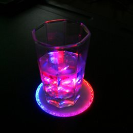 Wholesale 100pcs Fashion Red and Blue LED Flash Wine Cup Mat Holiday Coasters for Bar Wedding Birthday Xmas Party Table Decoration