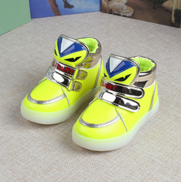 Lumières bottes à vendre-Nouveaux garçons filles chaussures de mode LED LED lumineux beaux enfants dessin animé Monsters bottes enfants Cartoon Shine Monster bottes
