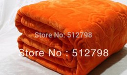 Wholesale orange color gsm microfibre flannel thick blanket throw bedspread cobertor tapetes cm air conditioning