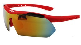 Wholesale Hot Sunglasses For Womens And Mens Fashion Anti UV Outdoor Bike Riding Outdoor Light Of
