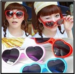 Wholesale sunglasses for men and women cheap sunglasses heart shaped sunglasses influx of people love retro oversized mirror Hot style women