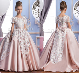 Wholesale 2016 Lace Short Sleeves Satin Luxurious Arabic Flower Girl Dresses Vintage Child Pageant Dresses Beautiful Flower Girl Wedding Dresses F29