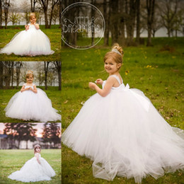 Pequeña novia vestido de niña de las flores en Línea-Vestidos de niña de las flores blancas la novia miniatura con desmontable entrenar a niños niñas Vestido fiesta vestidos niña desfile vestido de boda