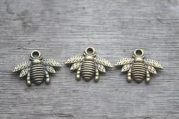 Wholesale 35pcs Bee charms Antique bronze Lovely Bee Honeybee Charm Pendant x21mm