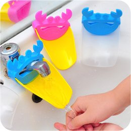 Wholesale Useful Cute Guiding Gutter Kid Toddler Children Water Tap Faucet Extender Washing Hands Bathroom Sink