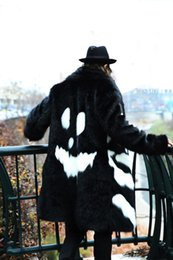 Wholesale Fall Men s clothing grimaces hyein seo plush fur overcoat gd crooked mv