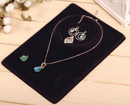 Wholesale Gros Ensemble de bijoux affichage de cartes d oreille collier pendentif anneau Afficher cartes Crème Noir OPP sac en plastique