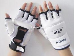 High Quality Half-finger Glove Taekwondo Sanda Muay Thai MMA Fight Training Boxing Gloves Sanshou Fight Fighting Sandbag Gloves