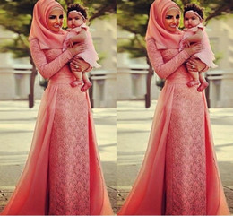 Coral Lace Evening Dresses With Long Sleeve Arabic Dubai Muslim Women Dress 2016 Abaya Kaftan Fromal Evening Dress