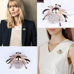 Wholesale Fashion Ladies Rhinestone Brooches Women Rhinestone Bee Design Pins Jewelries For Mother Girl Friends XZ0012