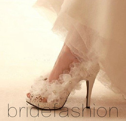 White Ivory Lace Wedding Shoes For Elegant Brides High Heel Applique Hot New In Stock Bridal Dress Shoes Bridal Accessorie