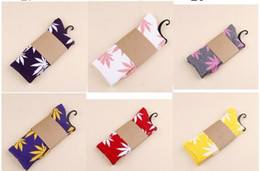 Wholesale 32 colors Hot Crew high Socks Skateboard hiphop men socks Leaf Maple Leaves Stockings Cotton Unisex Plantlife Socks