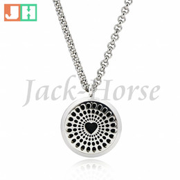 New arrival Essential oil Diffuser Perfume locket pendant necklace 30mm Round Aromatherapy stainless steel oil locket