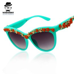 Designer Sunglasses Women 2015 High Quality Flowers Fashion Beach Holiday Eyeglass Brand New Sun Glasses