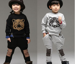 Wholesale Fall Winter Kids Suit Tiger Printing Sweatshirt Harem Pants Children Tracksuit Boy Girl Casual Sport Sets set WD433