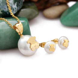 Wholesale Fashionable A Set of Necklace Stub Earrings Jewelry Set Artificial Pearl Pendant Necklace with Little Bear L Titanium Steel J0667