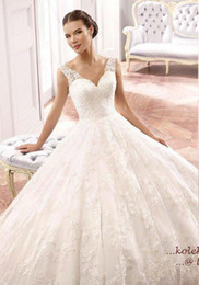 Wholesale New Beautiful V Neck A Line Wedding Dresses Low Back W1541 Lace Bridal Gowns Romantic See Through Tank Best Sale Custom Made Fashion
