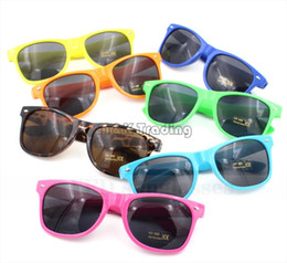 Everlasting Claasic Vinatge Sunglasses Fashion Traveller Sun Goggles Plastic Frame UV400 Lenses Promotion Sun Eyewear 40pcs Free Ship