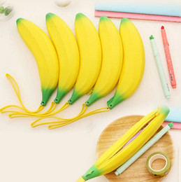 Wholesale Novelty Silicone Portable Banana Coin Pencil Case Purse Bag Wallet Pouch Keyring Fruit zero wallet ego zipper case gift