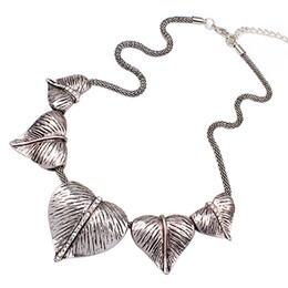 New Women's Vintage Peach Heart Alloy Chain Party Bib Statement Choker Necklace
