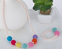 2017 colliers de perles Filles chaîne de chandail Collier Bracelets ornements couleur perle bonbons arc-colo perle ornement 30pc = 15pc Bracelet + 15 Collier J3402 colliers de perles autorisation