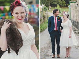 2016 vestido de noiva Short Sleeve V Neck Pleat Satin Tea Length Vintage Plus Size Short Wedding Dresses