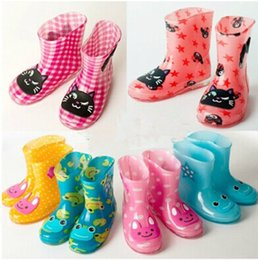 Wholesale Cute Boots For Baby Girls - 2015 new Children's rain boots for Boys and Girls Baby cartoon cute green jelly shoes slip bottom water Kids winter boots 548