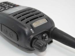 Deux radios bidirectionnelles vente à vendre-Vente en gros-Hot Walkie Talkie Baofeng uv-b6 uvb6 radio bidirectionnelle Dual Band VHF 136-174 / 400-470MHz émetteur-récepteur UHF Talkie Walkie UV B6