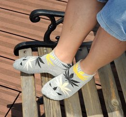 Wholesale 2016 Promotion Pantufas Huff Socks Coturno Feminino New Mama Harajuku Fashion Socks Personalized Lovers Factory Pairs Free ship