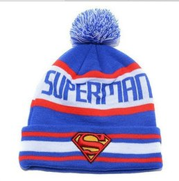 Wholesale Popular Designer Superman Embroidery Acrylic Beanie Pom Knit For Mens Womens Sports Winter Hats Slouchy Skull Snow Cap Head Warmer Bonnets