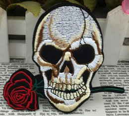3.9 inch Rose & skull embroidered patch Iron On Patches Skull and Bones Made of Cloth Guaranteed punk Appliques sew on patch GPS-010