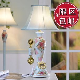 Wholesale Rose fashion brief vintage table lamp telephone antique telephone table lamp