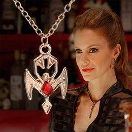 Wholesale Fashion vampire true blood drop lilith necklace godl pendants for women movie jewlery