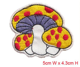 Free Shipping 20 pcs nice mushroom Embroidered patch iron on Motif sew on iron on Applique DIY accessory