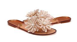 Wholesale Newest Fashion women lady girl summer beach Jelly Daisy Flower Slipper flip flops Sandals beach Flat Thongs shoes colors drop shipping