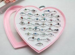 Descuento regalos para los amigos Colores mezclados 36pcs / lot 925 señoras del encanto de RhinestoneCZ de RhinestoneCZ de las mujeres de Siliver / anillos con las cajas de la forma del corazón (regalo agradable para un amigo) :)
