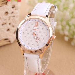 2015 New Hot Design Reloj Mujer Relogio Rhinestone Ladies Leather Wrist Watch Quartz Watch Women Dress Watch