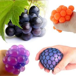 Prettybaby April Fools' Day Reduce Pressure novelty Creative toys prank tricky polo toys grape like after squeezing Pt0202#