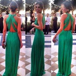 Unique Design Back Hunter Green Evening Dresses Pleats Chiffon V Neck Sleeveless Full Long Red Carpet Dress Celebrity Gowns LA