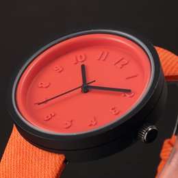 New Fashion Simple Design All Orange Dial Black Hands Orange Leather Band Woman Analog Casual Lady Quartz Wristwatch WAA900