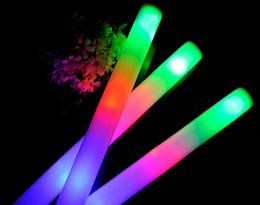 Mousse de couleur multi matériau changeant led glow stick noël Electronic Concert Multicolor éponge stick stick flash 2017 à partir de conduit mousse bâton clignotant fournisseurs