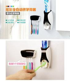 Wholesale Creative lazy toothbrush rack automatic toothpaste machine wash gargle squeezer couples that defend bath suit
