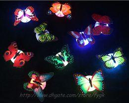 Noche de mariposa en venta-2017 luz llevada de la noche Iluminación de interior colorida de la luz de la noche de la mariposa del Nightlight LED de la mariposa de fibra óptica para el regalo de los niños