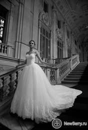 2015 Sexy Chapel Sheer Back Ball Gown Wedding Dresses Sweetheart Court Train Tulle Lace Bride Gowns Vestidos De Noiva