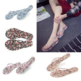 Wholesale Fashion Models Summer Beach Flip Flops Flip Slippers Reef Sandals Brief Casual Sandals Flat Non Slip Slippers D782L